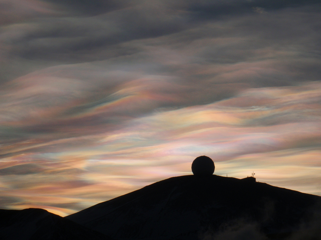 Nacreous_clouds_Antarctica